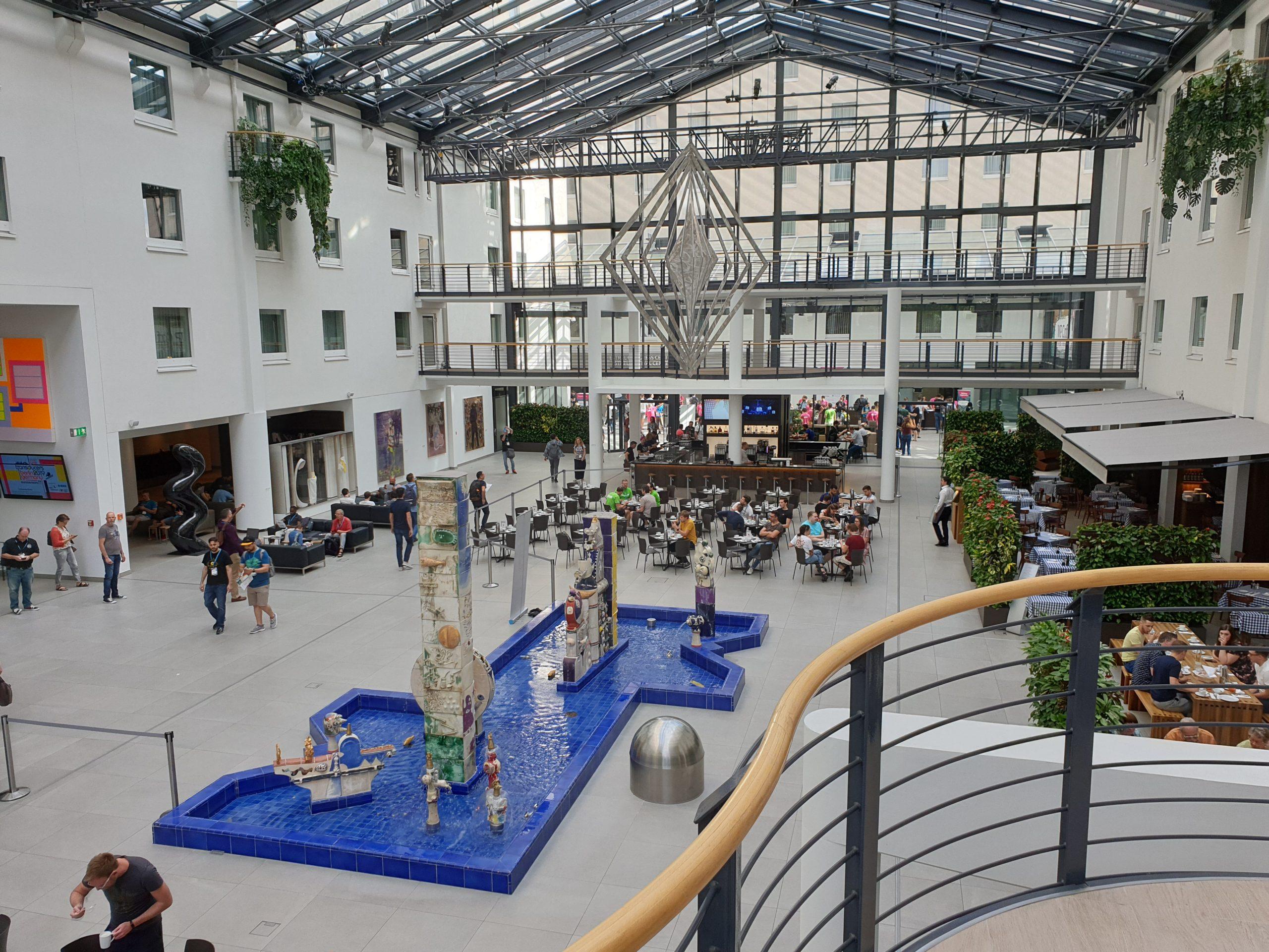Atrium-Halle im Estrel Berlin