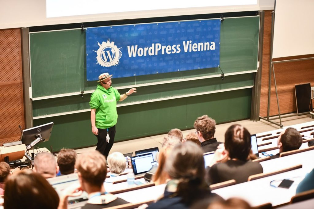 Robert Windisch holds a talk at WordCamp Vienna 2020